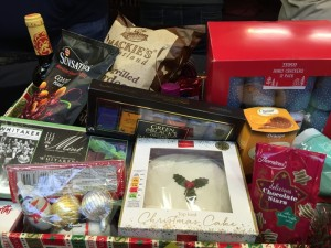 Christmas_Hamper_2015_2