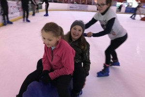 scouts-ice-skating_2016_3